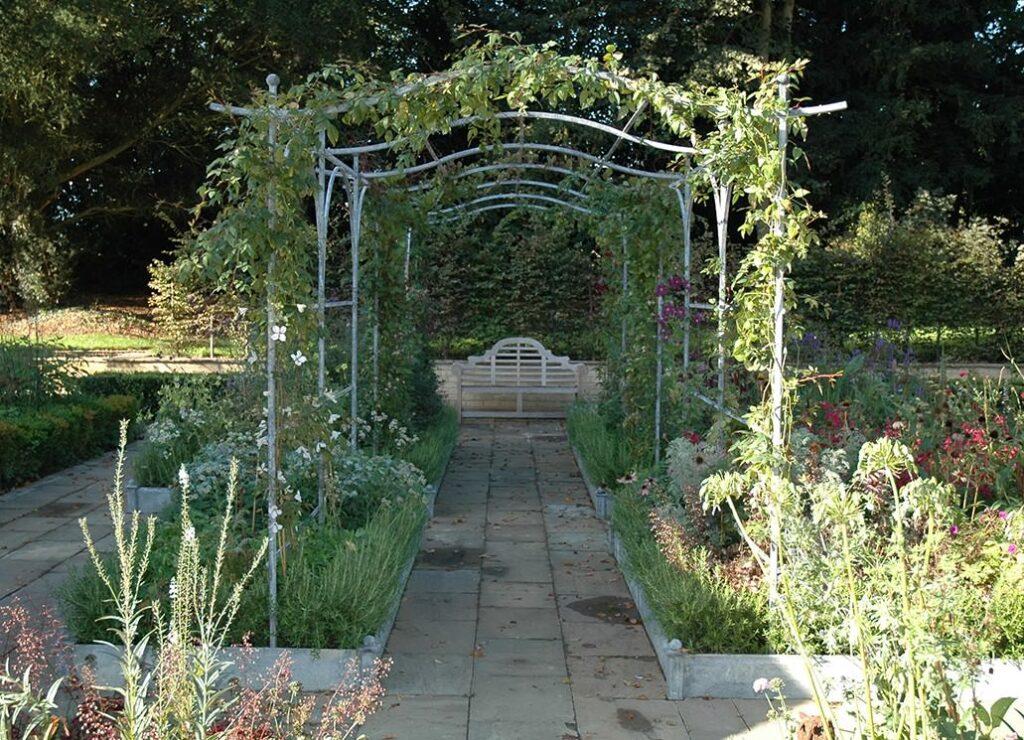 garden furniture mill